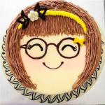 Bánh kem bánh sinh nhật hình cô bé cười BK030