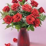 Bình hoa hồng đỏ HT020