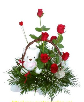 Giỏ hoa và Gấu HT089