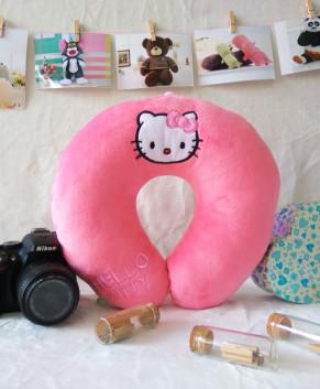 Gối quàng cổ Hello Kitty TBGQCHK