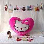 Gối trái tim Hello Kitty TBGKT1