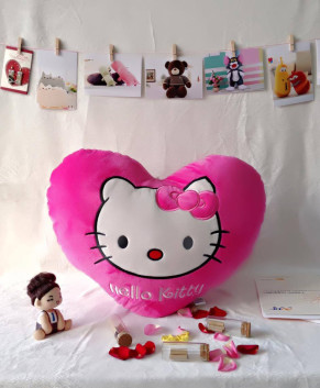 Gối trái tim Hello Kitty TBGKT1
