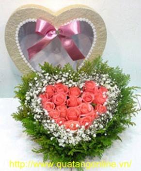 Hộp hoa trái tim HT118