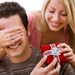 Kinh nghiệm chọn quà tặng giáng sinh cho bạn trai